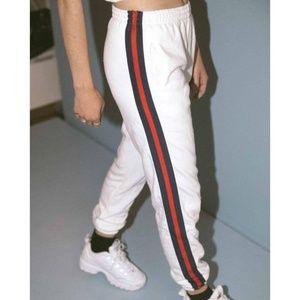 NWT Brandy Melville Rosa Side Stripe Sweatpants